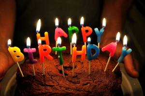 free-photo-birthday-cake-colorful-candle[1]